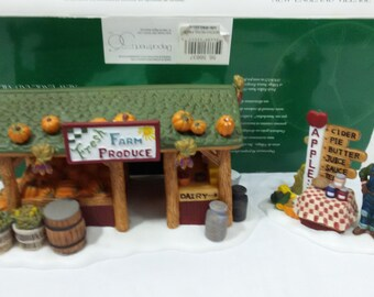 Dept 56 New England Farmers market retail 65.00 farmer w stand