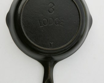 Antique Fine Early LODGE 1920s Early Single Notch Pan No 3 Cast Iron EGG Skillet Fry Pan Professionally Cleaned & ORGANICALLY Seasoned