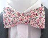 Men's bowtie  ~ Pink floral design   ~ neoud ~ papillion ~tie ~wedding bowtie