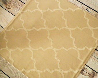 16 x 16  (40 x 40 cm) CAMEL quatrefoil cloth napkin, hand stenciled tan / khaki fabric dinner napkin, reusable, ready to ship