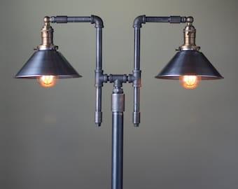 lampadaire industriel teinte cuivre ampoule edison. Black Bedroom Furniture Sets. Home Design Ideas