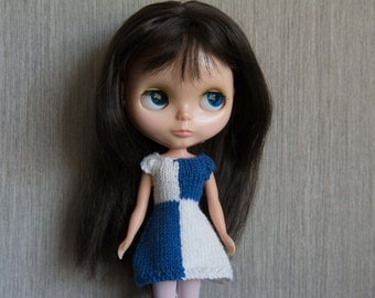 Blythe doll sized mod style short sleeved Blue and white knitted dress for Blythe, Pullip, Dal. Licca, Barbie or similar dolls