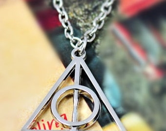 Harry Potter Deathly Hallows necklace silver or bronze tone