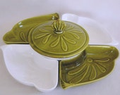 USA L54 Pottery Lazy Susan - Green and White Center Covered Dish & 4 trays