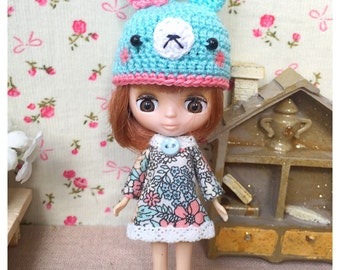 "Petite Blythe / Little Dal Outfit : ""Wow Rabbit Set"" (Dress and Crochet hat)"
