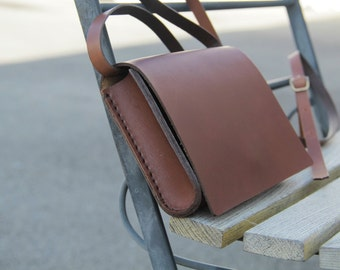 handmade leather brown bag, handstitched, vegetable tanned leather; GENATI