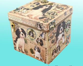 Square Embellished Decorative Hat Box Decoupaged Tri King Charles Cavalier Spaniels-Storage-Jewelry-Keepsake-Art-Artwork-Gift-Memorial