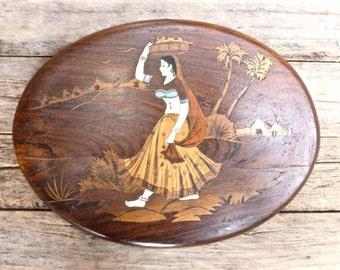 Souvenir from India, Oval Vintage Wood Plaque. Rajasthani paintings, Women in Artwork, Art from India Home Decor