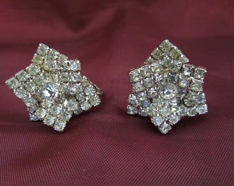 Vintage Rhinestone Earrings, Flowers, Clip On Type, Excellent Condition.