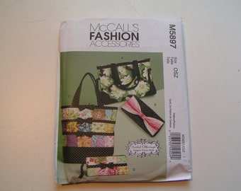 McCalls Pattern M5897 Totes and Bags