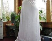 Vintage lingerie, vintage fruit of the loom white lacy half slip size medium in mint condition