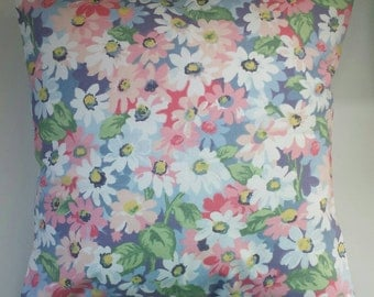 """Cushion Cover in Cath Kidston Painted Daisies and Spot 14"""" 16"""" 18"""" 20"""""""