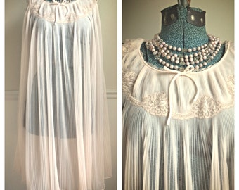 Vintage Rogers pastel pink tricot nylon nightgown / romantic gown / sheer gown / gift for her / vintage chemise / size small