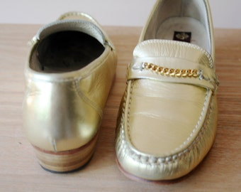 Size 37.5 (EU)/7(US) Vintage Gold Penny Loafers/Women's Penny Loafers/Vintage Loafers/Flats/Slip In Loafers/Italian Penny Loafers/1990 Style
