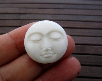 moon face beads,   25mm , Bone Beads, Jewelry making supplies , Drill top to bottom B5641