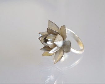 Big Flower Ring in sterling silver