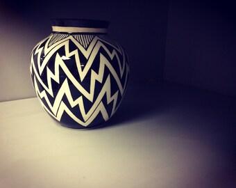 Black and white zig zag pot