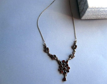 North India Garnet mounted on Silver Necklace.