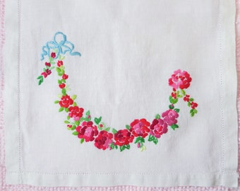 Vintage Embroidered Table Runner Roses Dresser Scarf