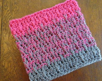 Crochet Ombre Cowl Heather Gray Bright Pink Chunky Textured Design Neckwarmer
