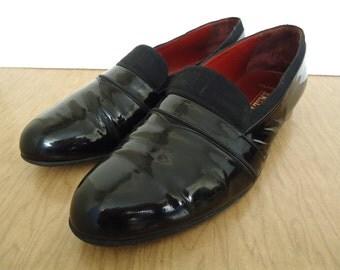 Vintage Bally Opera Pumps / black patent leather & grosgrain tuxedo shoes / men's US 12