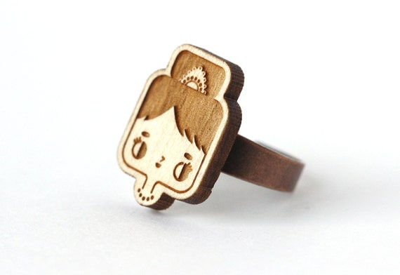 Audrey Hepburn ring - glamour Hollywood character - lasercut maple wood ring - graphic jewelry - tribute to Audrey Hepburn