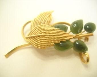 Vintage Jade Brooch (6652) Pretty!