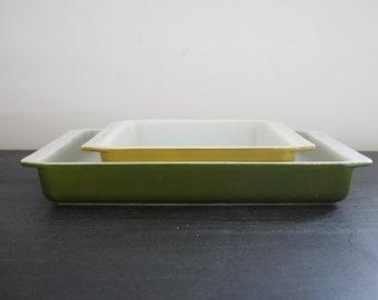 Set of 2 vintage Pyrex avocado green verde pans lasagna baking dish and brownie dish 933 922