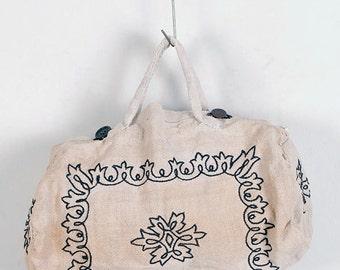 1920's embroidered linen handbag