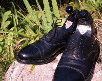 SALE Near New Dack's Men's Cap Toe  black shoes, 8.5 B like new See photos