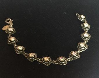 Rose shaped bracelet