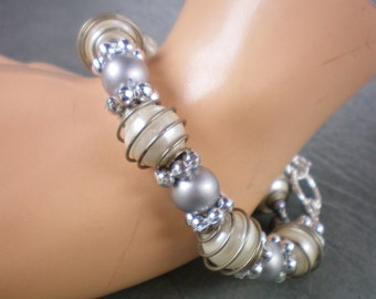 Gray and pearl bracelet, Vintage wedding jewelry, Recycled jewelry, Handmade jewerly, Upcycled jewelry, Free USA shipping, Made in USA/MI