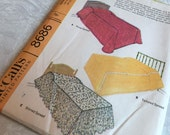 McCall's 8686 Basic Bed Covers Twin and Full 1967