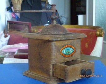 "Coffee Grinder - Coffee Mill - Beautifull And Original 50's ""Three Swords"""