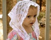 Child's size white lace chapel veil, Prod.# Zw01