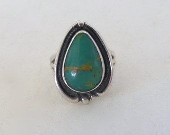 Vintage 1960's Bell Trading Post Sterling Silver Teardrop Green Turquoise Beaded Ring