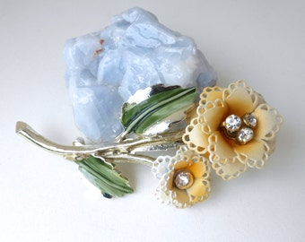 Adorable 1950's Yellow White Ombre Daisy Flowers with Rhinestone Centers Pin
