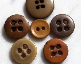 Vintage vegetable ivory taqua nut- 6 assorted buttons browns and tan 4 holes and 2 holes. 1920's sewing notions. excellent condition