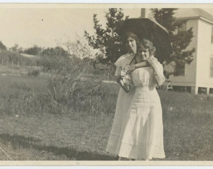 Affectionate Girlfriends & Umbrella, c1910s Vintage Snapshot Photo [65457]