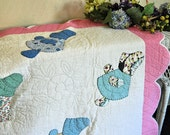 Vintage 1930s Appliqued Sunbonnet Babies Scalloped Quilt Hand Quilted