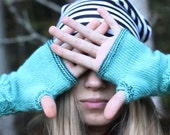 Hand Knitted Gloves, emerald green Elegant Arm Warmers Gloves, For Her, Gift Ideas, Winter Accessories, Fall Fashion Trends