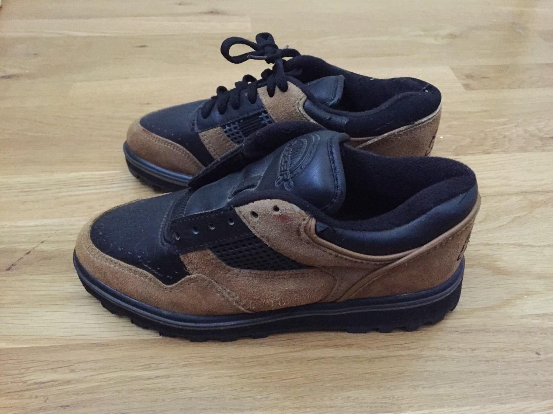 la gear brown black sneakers size 6 deadstock. Black Bedroom Furniture Sets. Home Design Ideas