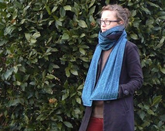 Mega scarf with pockets
