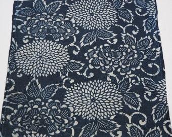 Nice Antique Japanese Chrysanthemum Katazome Cotton Textile From Old Futon Cover, Katazome-302