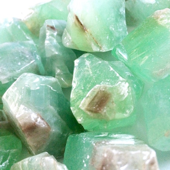 Green Calcite, Rough Green Calcite, Raw Green Calcite, Green, Raw, Raw Calcite, Positive Energy, Chakra stone, Healing Crystal, Calcite