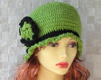 Green Cloche Hat - Knitted cloche - Cloche hand knitted - Brooch crochet - Beanie Winter Hat