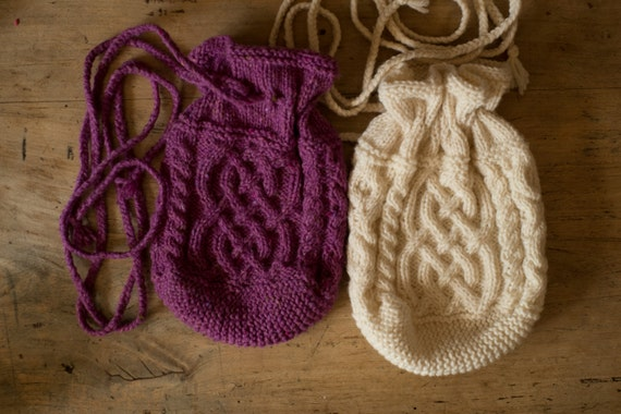 THARA -  Celtic Baglet - Pure wool - purple - other colors made to order