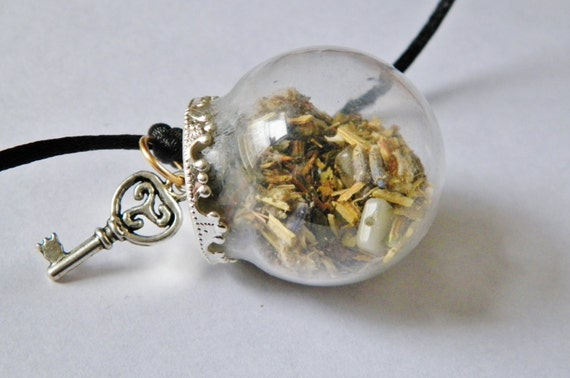 House Blessing Charm Mini Witch Ball Witch Bottle Pagan Wicca Reiki Ritual Supply