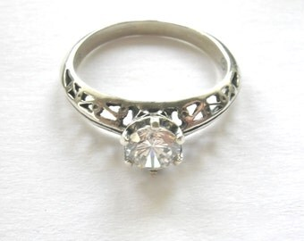 STERLING SILVER Vintage Solitaire & Filigree Band Ring