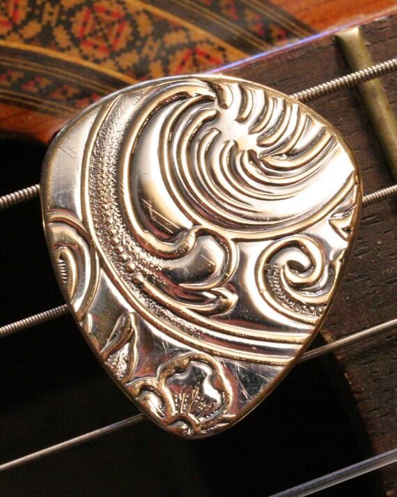 antique silver brass metal guitar pick 7mm 351 style standard. Black Bedroom Furniture Sets. Home Design Ideas